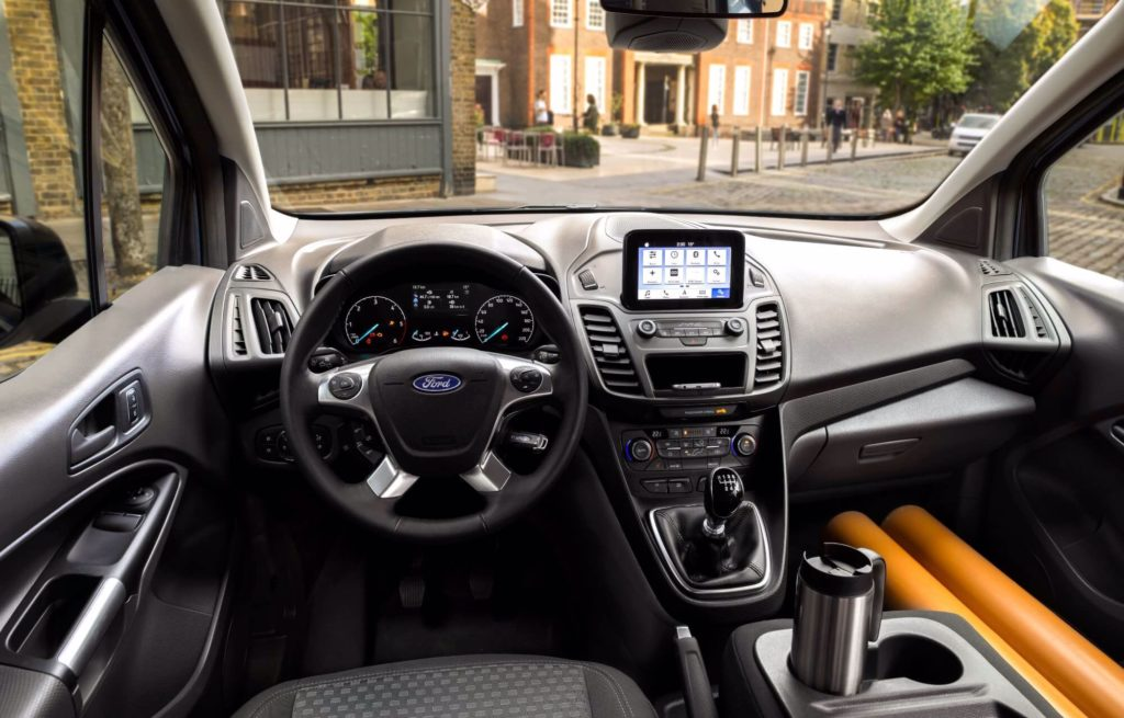 Ford_transit-Connect_int-636734042149133775